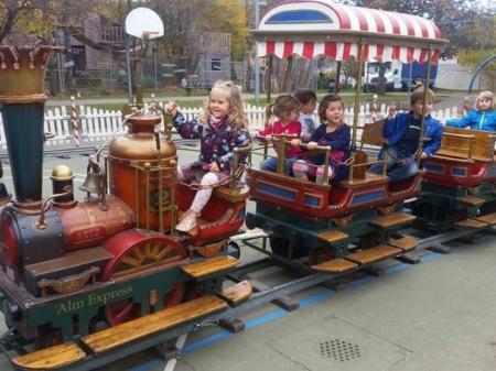 Dampfeisenbahn für Kinder mieten